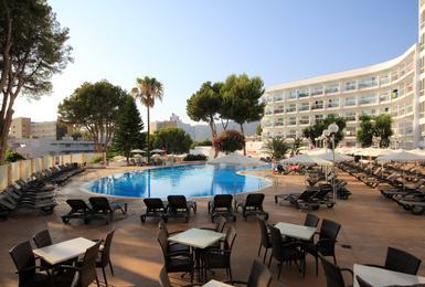 Terraza Hotel AluaSun Torrenova Palmanova, Mallorca
